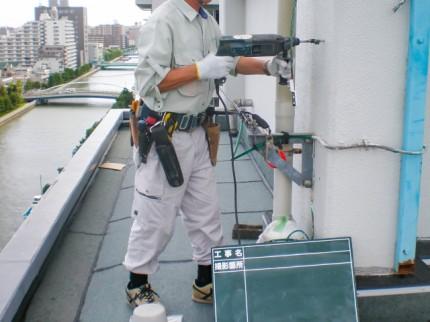 S_電気工事作業風景2